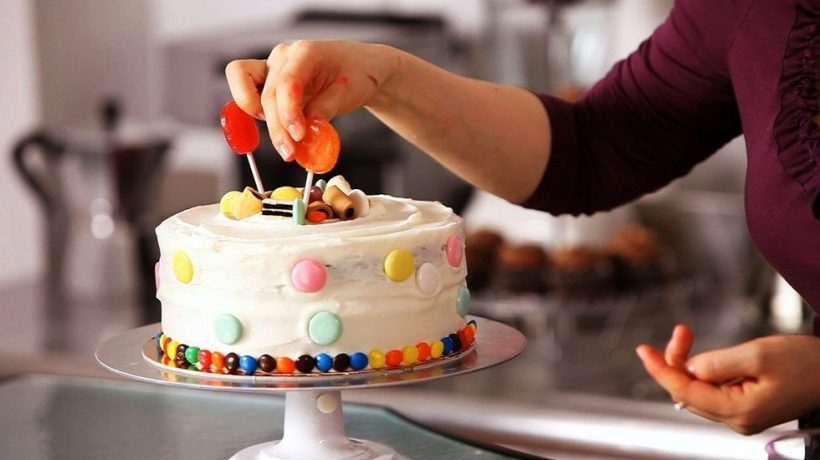 How Cake Decorating Supplies Are Making the Lives of Bakers Easier?